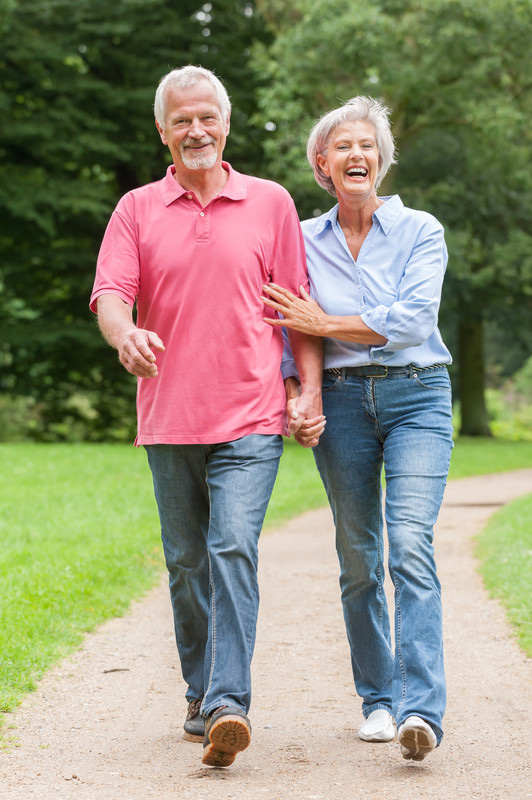 canstockphoto10479655 walking senior couple